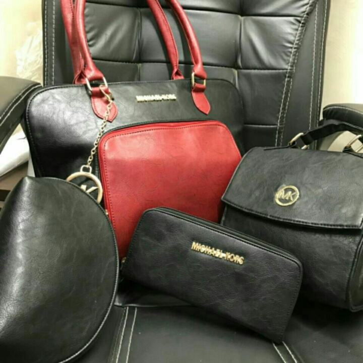 Combo bags from Michael Kors – coutloot.com ecd54339b79a5