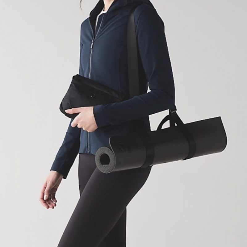 d8a4ffc5101 Lululemon essentials yoga may carry on with pouch from Others – coutloot.com