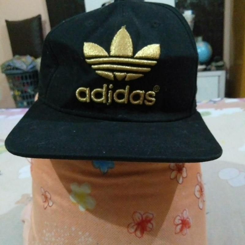 Black and gold adidas cap from Adidas – coutloot.com d1adce5e994