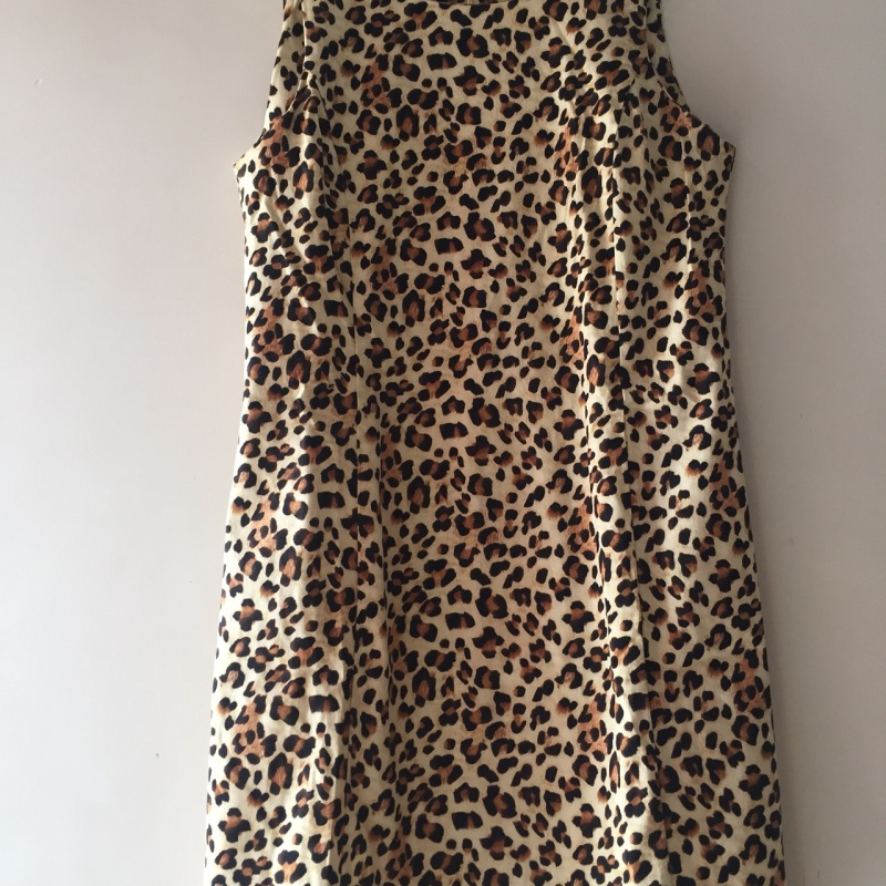 165992cb6db3 White, brown, and black leopard skin sleeveless dress from Zara ...