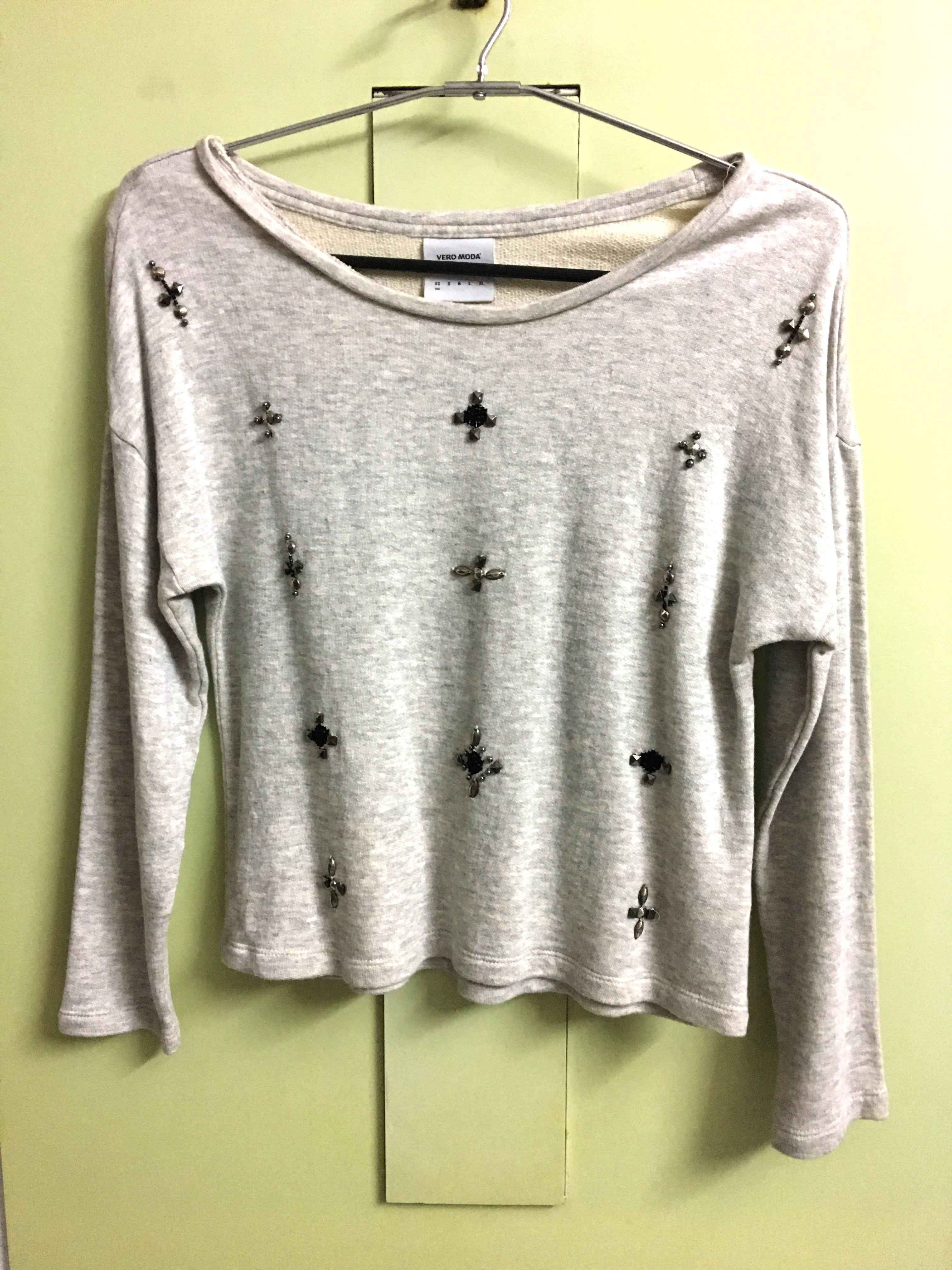 58095f027355c7 Sequenced Grey Crop Top Sweatshirt from Club Factory – coutloot.com