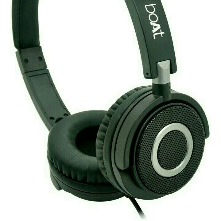 2c962bc94b0 Boat BassHeads 900 Wired Headphone with Mic. from boat – coutloot.com
